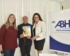 Dia do Hoteleiro é comemorado com estilo pela ABIH SC-Folha de Santa Catarina