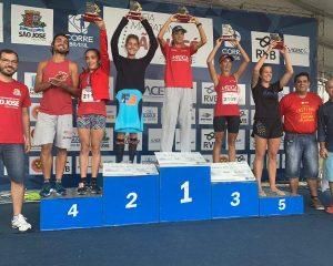 Vencedores da Meia maratona de São José-Divulgação Folha de Santa Catarina